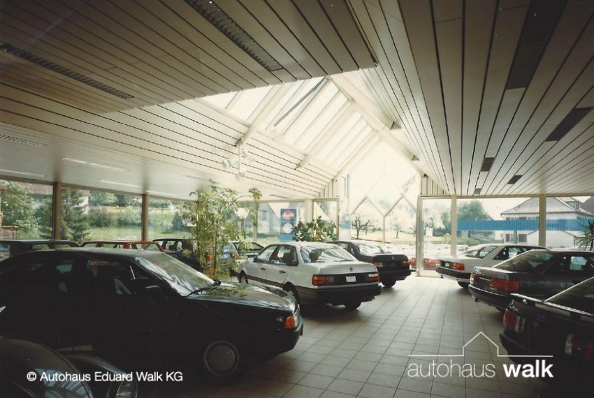 AW_870580-1987